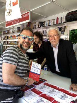 Feria LIbro 2018 4 263x350 - Firmando ejemplares en la Feria del Libro de Madrid