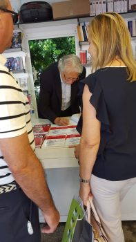 Feria Libro 2018 3 197x350 - Firmando ejemplares en la Feria del Libro de Madrid
