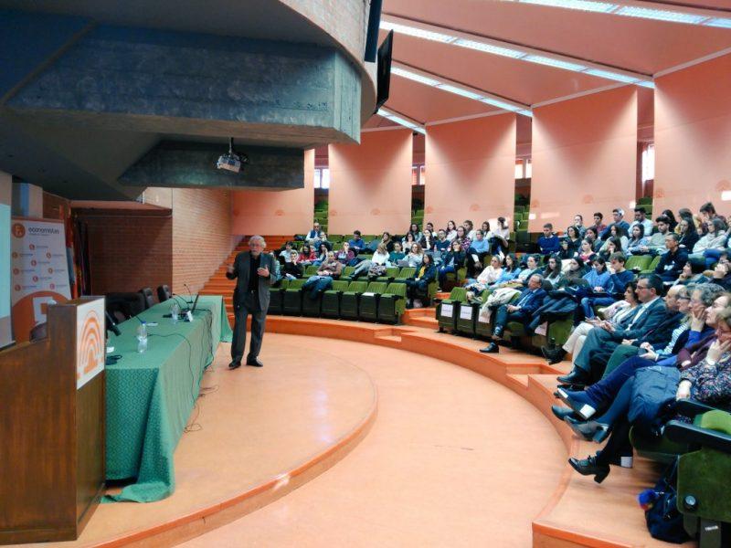 Valladolid 3 800x600 - Conferencia en la Universidad de Valladolid