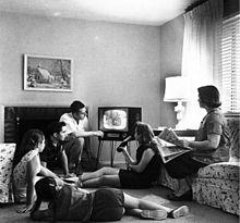 familia viendo television