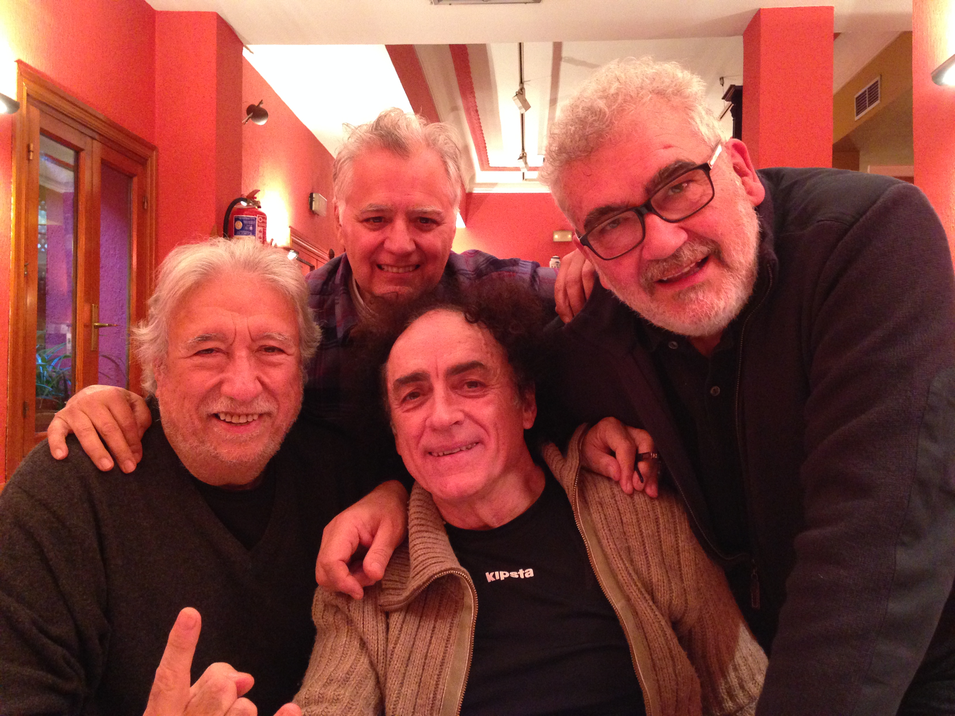 Los viejos rockeros nunca mueren. Haciendo un programa de radio con el Mariscal Romero, Rafael Baladés y Manolo Valmorisco en 2013